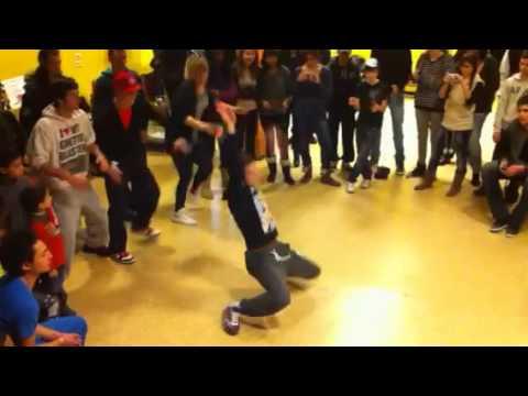 Kyrra (Electro street) vs Stouny (Digital crew) White arm tournaments à Marseille.