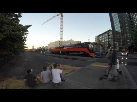 SP 4449 moving in Portland, Oregon, 4k