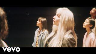 Смотреть клип Kesha - Hymn