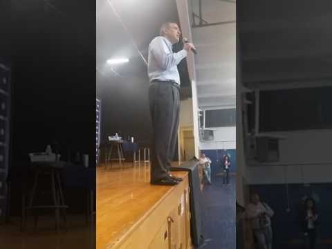 Darrell Issa Oceanside California Town hall, Booed after question from woman