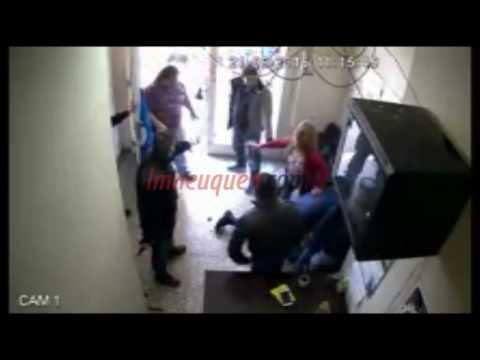 Mirá cómo dispara el policía al delegado de UPCN