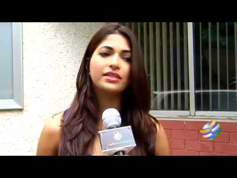 Actress Parvathy Omanakuttan Fitness & Diet Tips