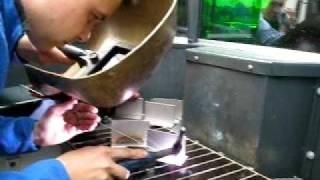 Аргонодуговая сварка TIG-music(Ролик демонстрирует потрясающие способности аппарата арногодуговой сварки Merkle MobiTIG. Программирование..., 2010-10-26T10:30:50.000Z)