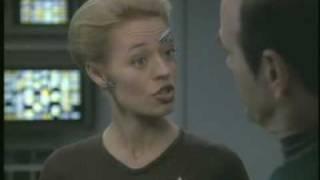 "Star Trek: Voyager 624 - ""Life Line"" (UPN trailer)"