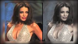 Video model exposing her cleavage at signature fashion week 2014 download MP3, 3GP, MP4, WEBM, AVI, FLV Juni 2018