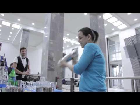 Смотреть Мастер-класс по приготовлению коктейлей в Бизнес-центре «Нагатинский» онлайн