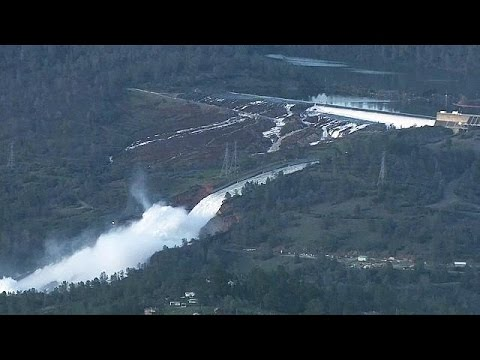 200.000 evacuados en California por el peligro de desbordamiento de la presa Oroville, la más…
