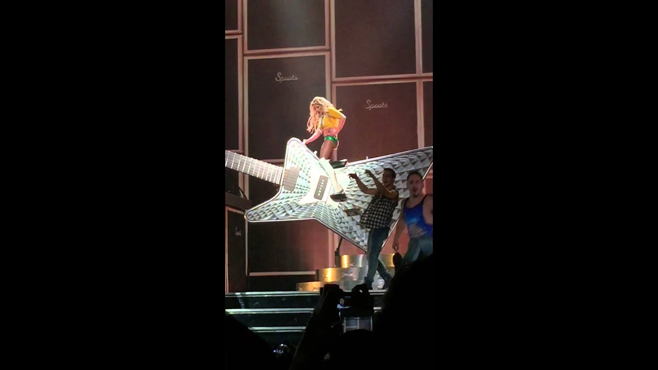 Britney Spears I love rockn roll Las Vegas le 13.10.17