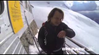 Skiing from the top of Mont Blanc 4810m