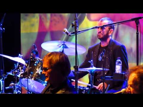Talking in your sleep: Ringo Starr and his All Star Band - Brasília