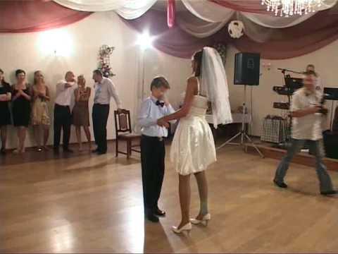 Weselny taniec nowej pary młodej :) oczepiny
