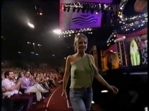 Sarah Michelle Gellar Teen Choice Awards 2001