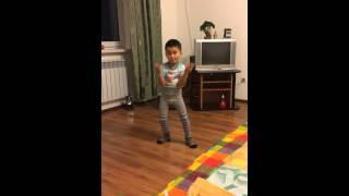 Танцующий ребёнок(, 2015-04-01T13:59:14.000Z)