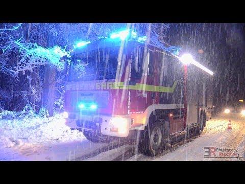 [STARKER SCHNEEFALL IM RAUM DÜSSELDORF] - Feuerwehreinsätze | Chaos | Winterdienst im Dauereinsatz -
