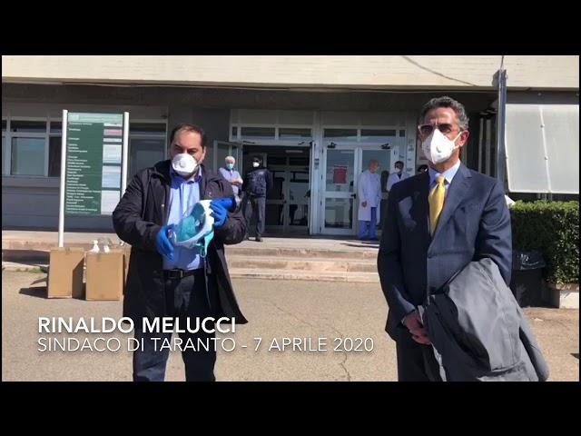Il sindaco Melucci saluta i sanitari del Moscati