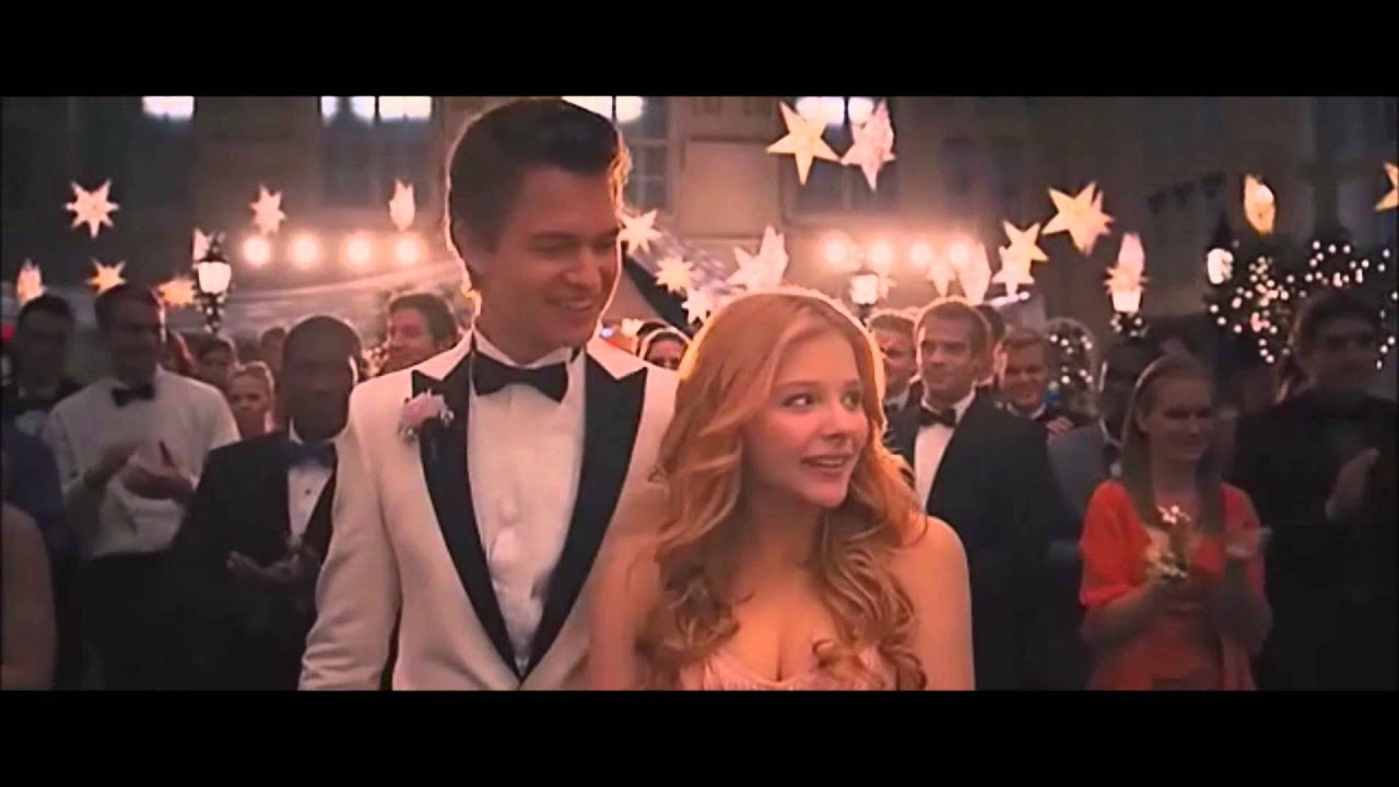 Carrie 2013 CLIP Sue asks Tommy to ask Carrie to the Prom Ansel Elgort Gabriella Wilde