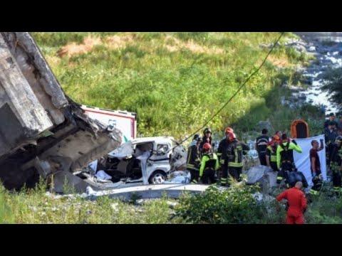 صور من انهيار جسر للسيارات في مدينة جنوى الإيطالية  - نشر قبل 33 دقيقة