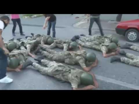 Darbeci askerler yere yatırılıp tekmelendi
