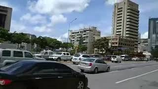 Así están las calles este de Chacao hoy.