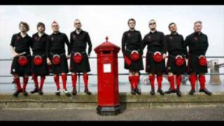 Red Hot Chilli Pipers - Highland Cathedral