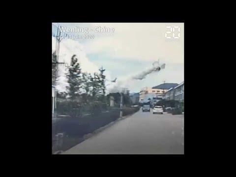 Download Chine: Les images impressionnantes de l'explosion d'un camion-citerne qui a fait 19 morts
