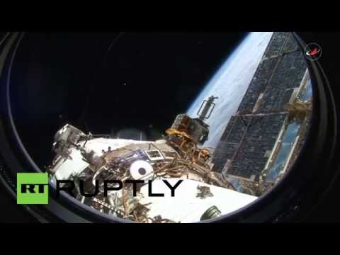 ISS: Roscosmos release stunning footage of spacewalk by cosmonauts