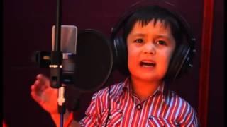 4 летний мальчик Взорвал интернет своей песней (Полное видео)
