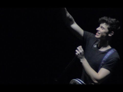 Shawn Mendes Live in Manila - Treat You...
