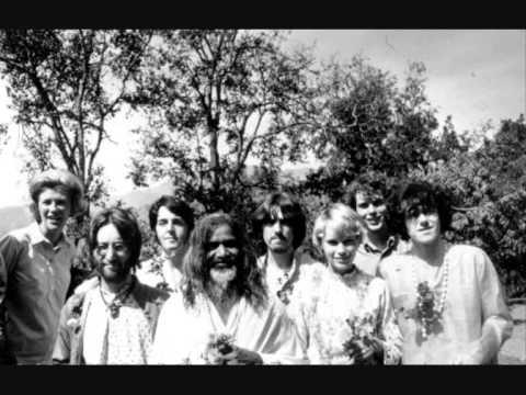 HAPPINESS RUNS - DONAVAN - THE BEATLES
