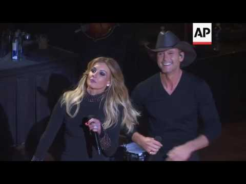 Tim McGraw and Faith Hill surprise fans and announce new Soul2Soul world tour