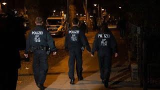 Corona-Kontrollen und aufgelöste Party in Berlin