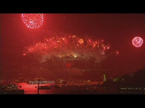 Sydney welcomes in the New Year with amazing fireworks display