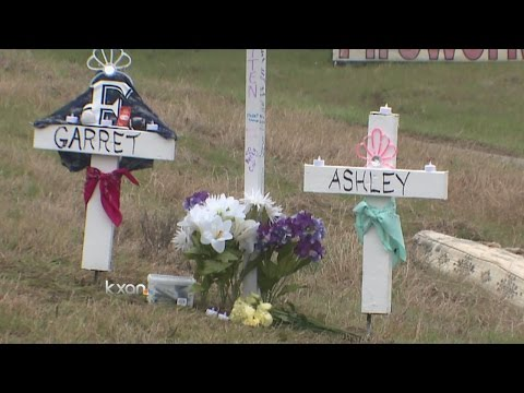 Elgin HS mourning death of two students killed in crash - YouTube