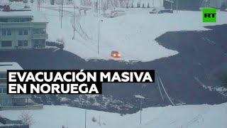 Un enorme socavón destruye varias casas y provoca una evacuación masiva en Noruega