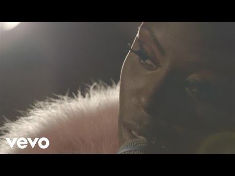 Laura Mvula - She (Live at Century Club)