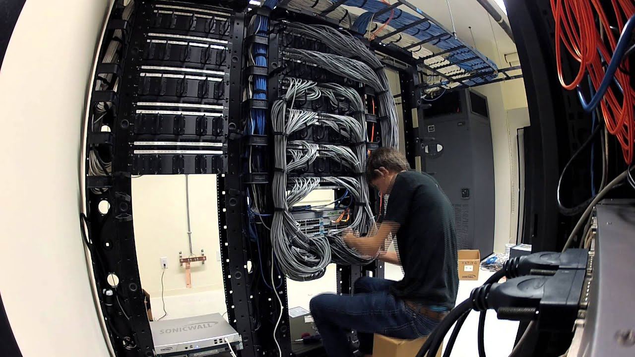 wiring up new server room [ 1280 x 720 Pixel ]