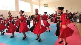 #koba_golava #народныетанцы Абхазские танцы Детишки исполняют
