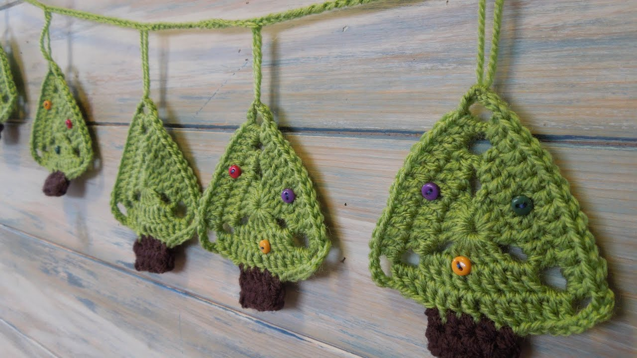 Free Crochet Pattern For Christmas Pickle : (crochet) How To - Christmas Tree Bunting - YouTube