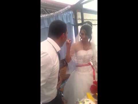 turc frappe a femme en plein mariage youtube - Ruban Rouge Mariage Turc
