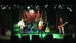 Tourists - One Single Word (Live)