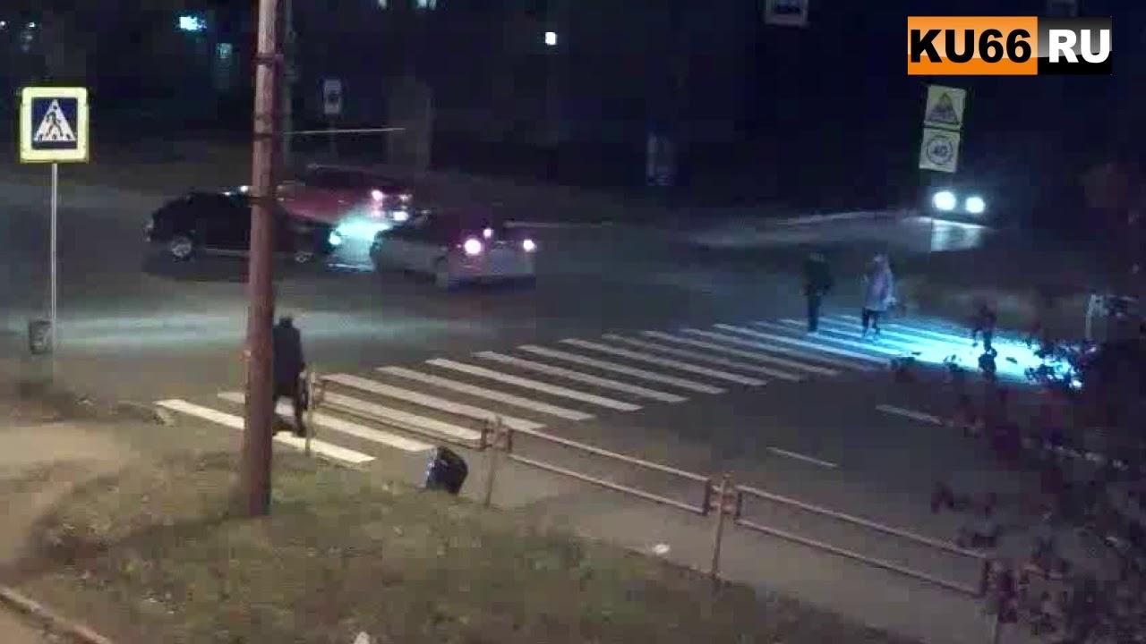 ДТП на ул.Кунавина 16.10.2017