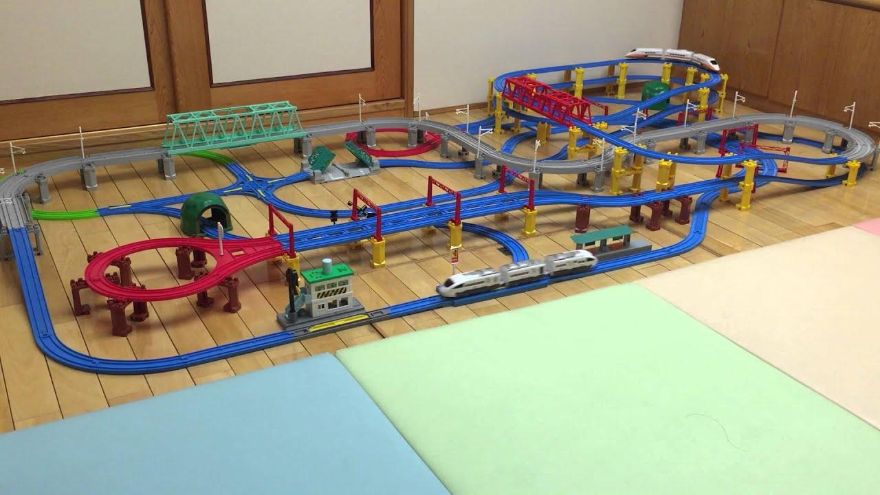 2015.11.04 TOMY小火車軌道組 巨大複雜化模式001 - YouTube