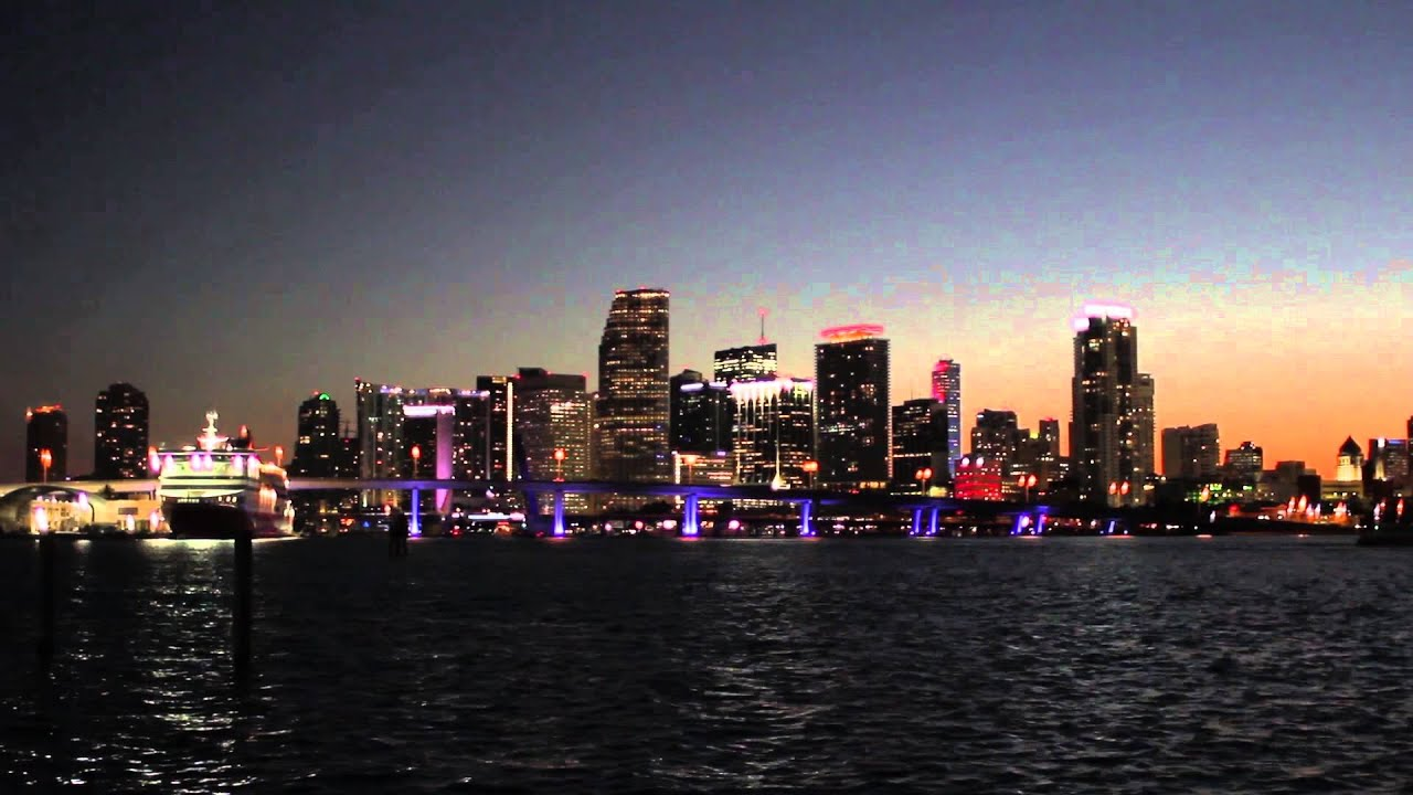 Miami Skyline Sunset Time Lapse Shot With Canon 60D 28mm F18 Lens