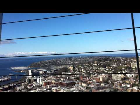 Chronicle - Seattle Space Needle 360 degrees