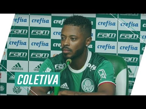 Coletiva do lateral Michel Bastos