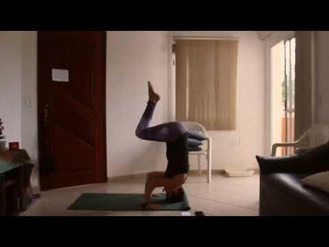 sirshásana:-como-fazer-a-invertida-sobre-a-cabeça?-(yoga---ajustes)