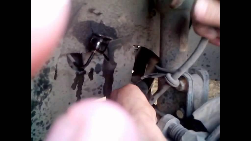 Замена тормозного шланга с прокачкой пежо боксер 3 Замена заднего сальника bmw f20