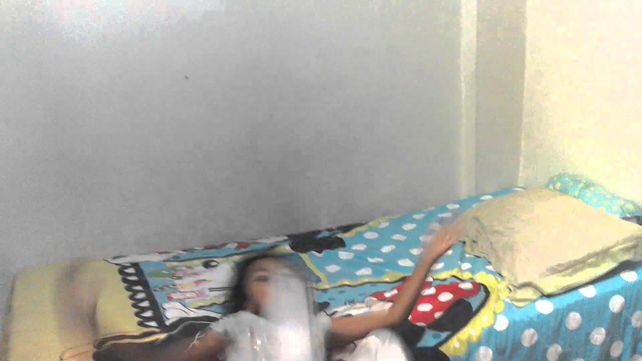 Ni a se cae de la cama haciendo voltereta youtube - Cama para nina ...