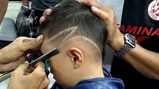 Anak kecil minta mohawk -kursus potong rambut pria