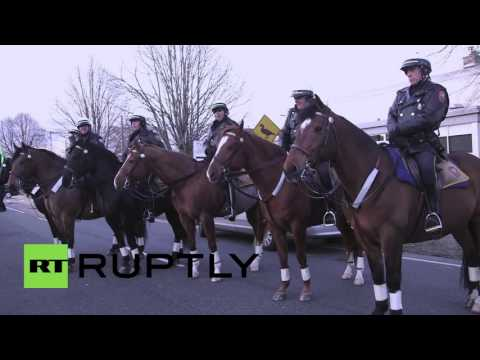 USA: Trump protesters and supporters face off in Long Island, NY